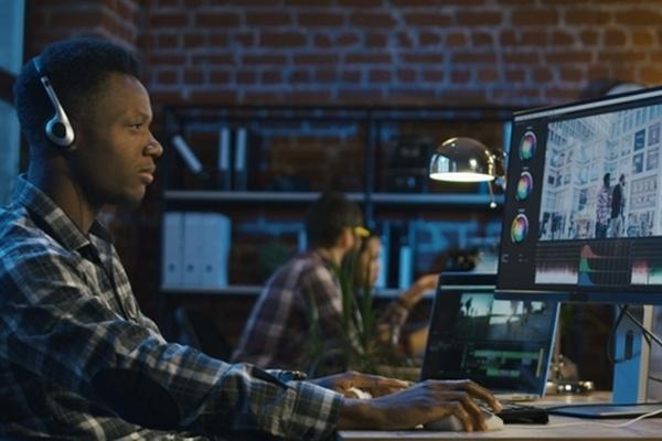 Có rất nhiều phần mềm hỗ trợ làm video mà bạn có thể lựa chọn để tối giản hóa các bước làm mà đem lại hiệu quả cao nhất (Nguồn ảnh: Internet)